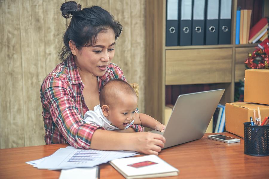Mom research child custody